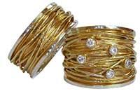 Ringen van Vinx - witgoud met geelgouden draad - Circles Art&Jewelry - Zwijndrecht