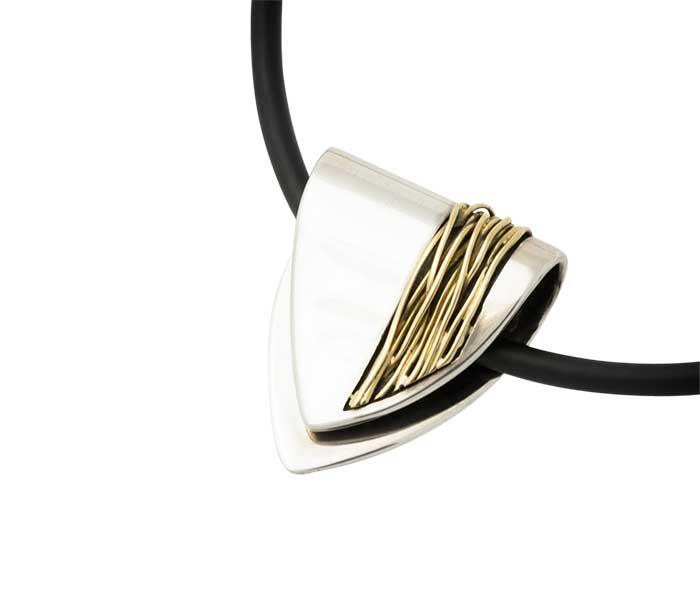 Hanger van Vinx - Zilver met gouddraad - Circles Art&Jewelry - Zwijndrecht