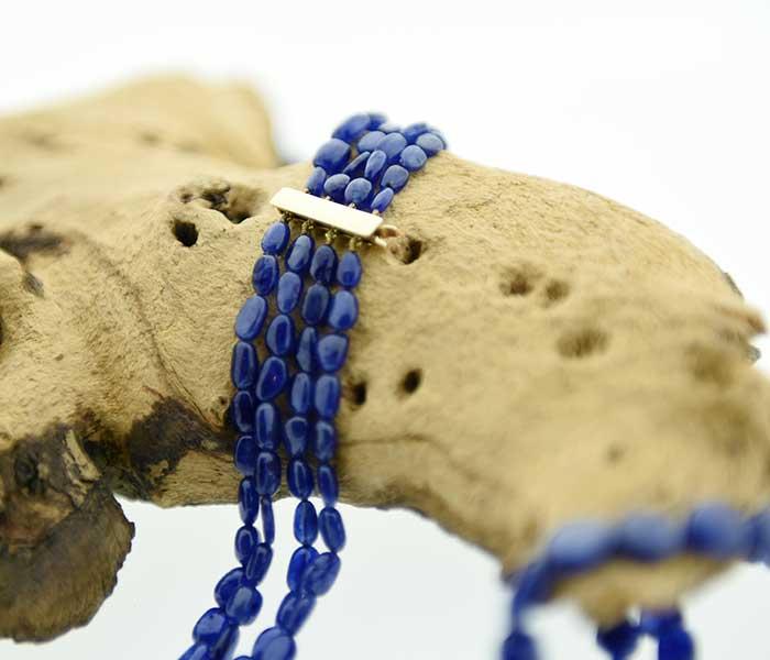 Collier saffier 4 rijen met geelgouwen slot - Circles Art&Jewelry - Zwijndrecht